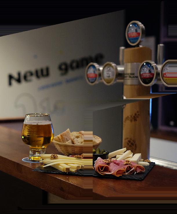 Planche et bière du bar Puzzle Inn